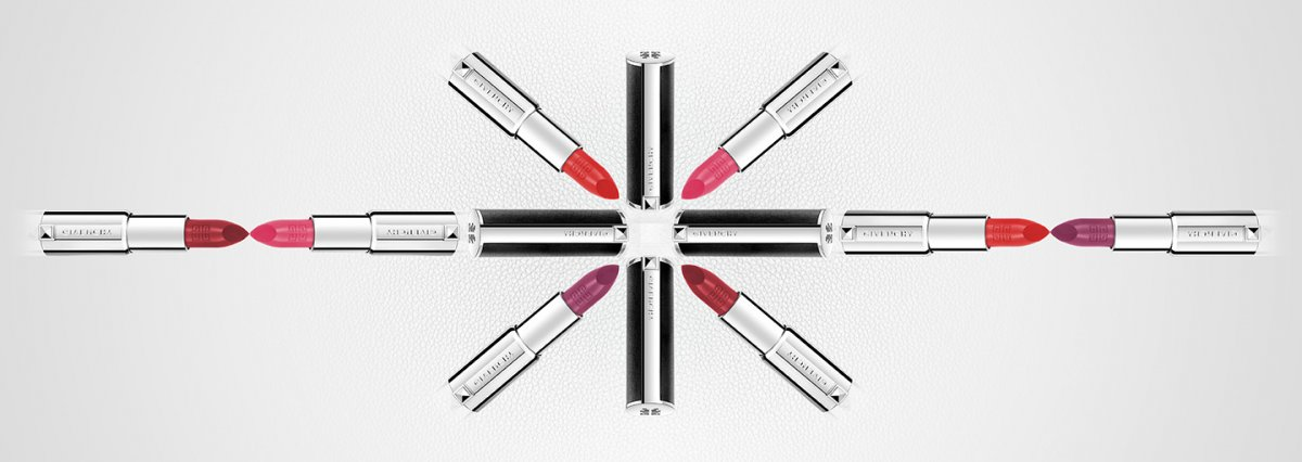 Le rouge couture — Givenchy